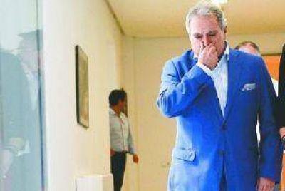 Mientras Rajoy busca la presidencia, detienen en Valencia a figuras del PP