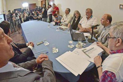 Denuncian irregularidades por más de 100 millones de pesos en Educación