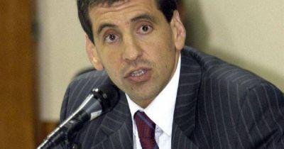 Para Valdez, el problema de Vargas Aignasse es creer que su rol lo exime del cumplimiento de las normas