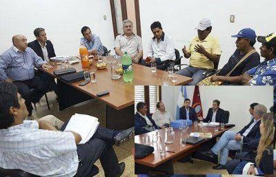 """""""Trabajamos para garantizar los derechos de aborígenes y criollos"""", dijo el ministro Gómez Almaras"""