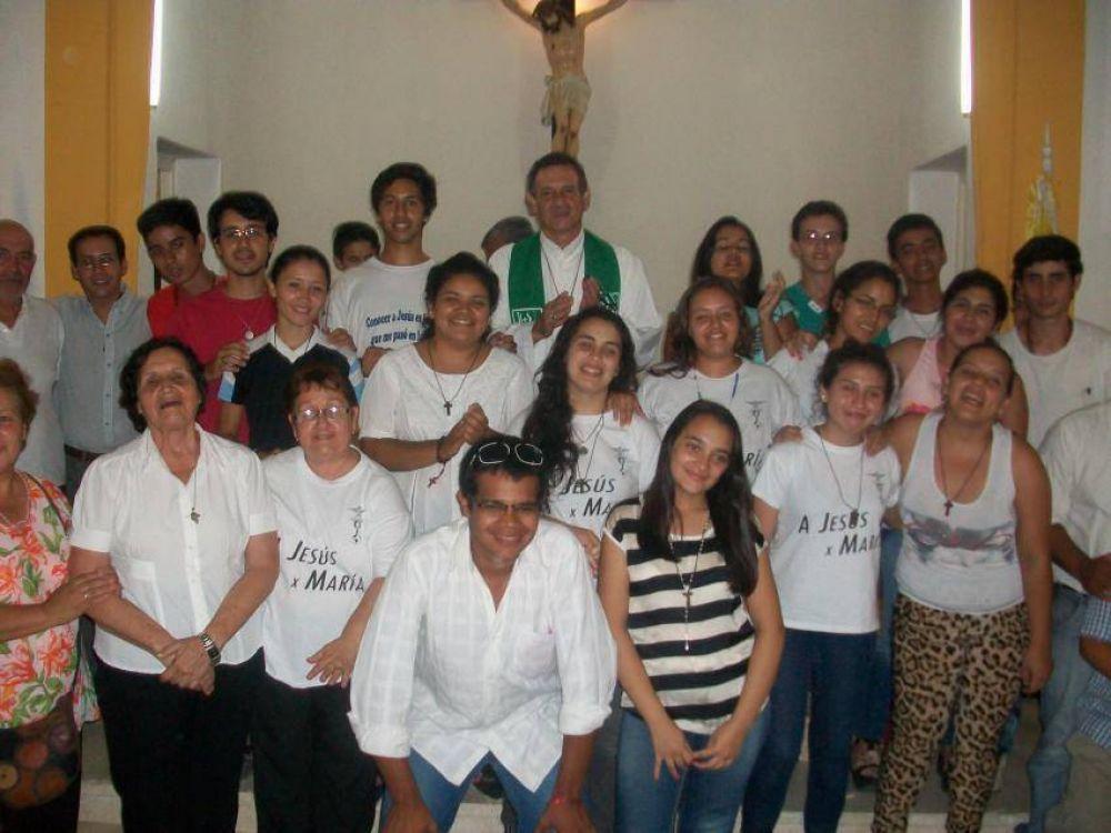 Jóvenes de la Legión de María de Goya misionaron en bicicleta por zonas afectadas por la inundación