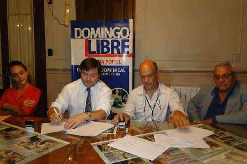 La AECA firmó un acuerdo con la empresa de transporte de pasajeros azuleña Lasa