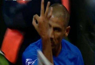 El Gobierno reprobó los gestos de Osvaldo y Díaz