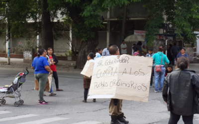 Pueblos originarios reclamaron en Salta por viviendas
