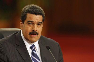Maduro llama a rebelarse contra la Asamblea por una ley de vivienda