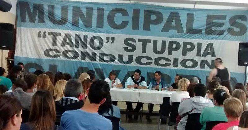 En masiva asamblea, los Municipales pidieron a Galli reapertura de negociaciones