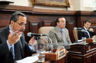 Arteaga pidió que se investiguen los balances y bienes patrimoniales de las cooperativas