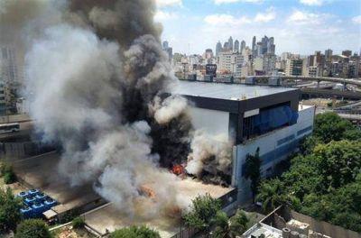 Un incendio afect� la sede de TN y Canal 13