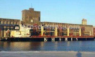 Con un calado de 44 pies, un buque partió de Puerto Quequén