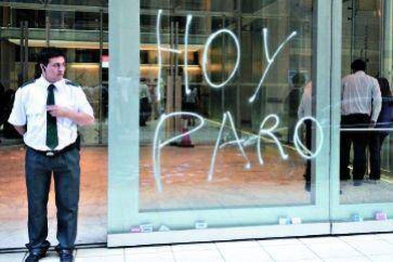 Protesta de la Bancaria contra despidos en el BCRA y el Bapro