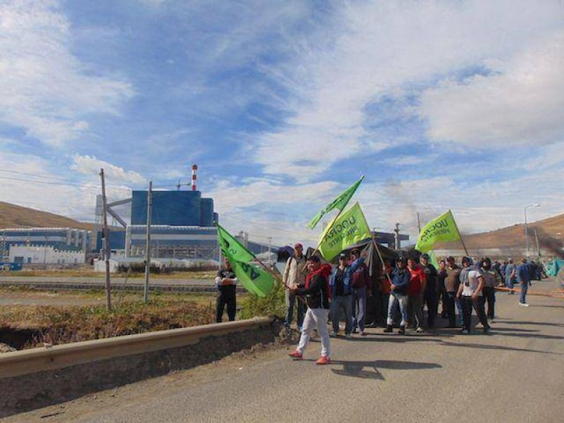 UOCRA acusa a Isolux Corsán de recibir fondos, pagar a los amigos, enviar plata a España y no abonar sueldos
