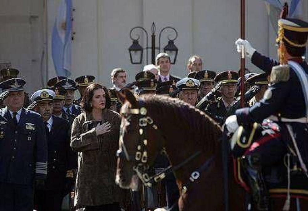 En el homenaje a San Martín, Garré criticó a Colombia y Honduras