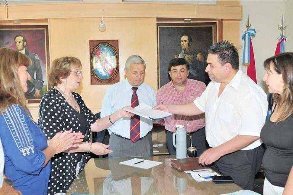 Autoridades y ATE iniciaron el diálogo por municipales