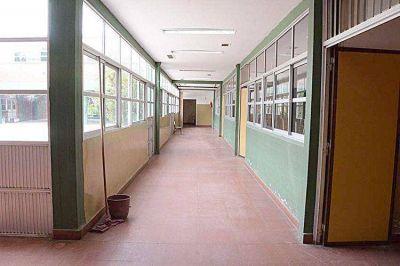 Avanza el mantenimiento y arreglo de las escuelas municipales
