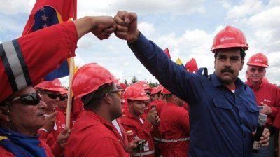 A�n con las mayores reservas del mundo, Venezuela le compra petr�leo a EEUU