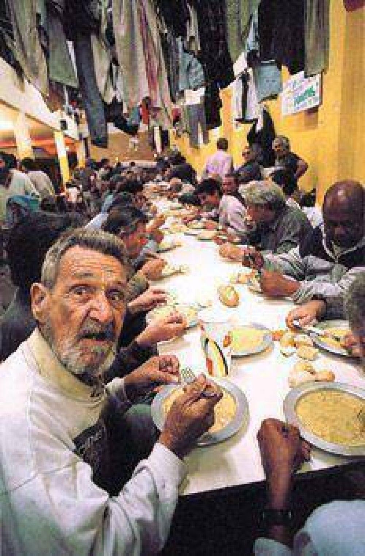 Alimentar pobres no es buen negocio