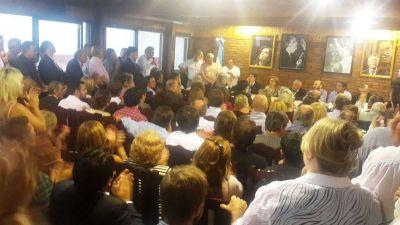 Bosetti particip� en la cumbre del PJ que convoc� a elecciones internas para el 8 de Mayo