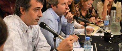 Los Ministros de Educación y del Interior llegaron a Santiago y fueron recibidos por el Senador Zamora