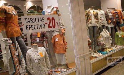 Ante la caída de las ventas, textiles ofrecen descuentos de entre el 30 y 40%