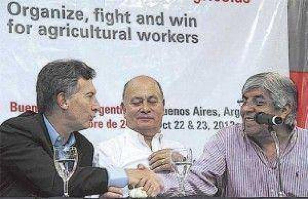 Moyano, Barrionuevo y Caló van a la Rosada sin postura unificada en torno de las paritarias