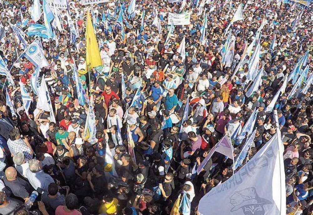"""Los sindicatos exigen una """"suma fija puente"""""""