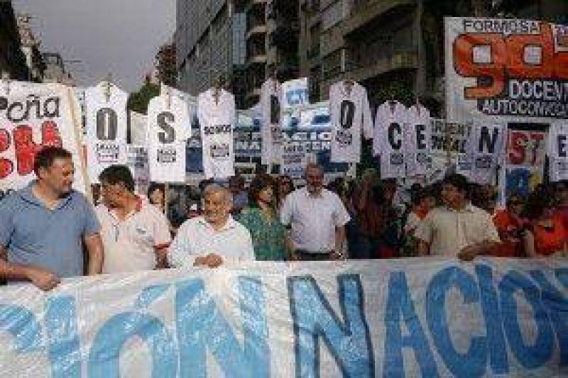 Nuevo reclamo de Federación Docente por condena al SUTEF