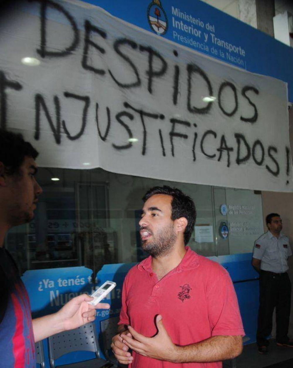 Continúa la toma del Centro de Documentación por el despido de 16 trabajadores