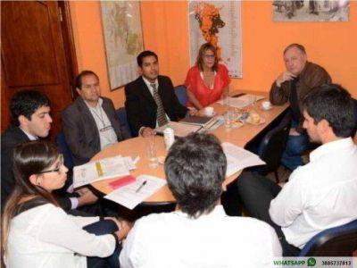 Ministerio de Gobierno y Secretar�a de Derechos Humanos acuerdan acciones para 2016