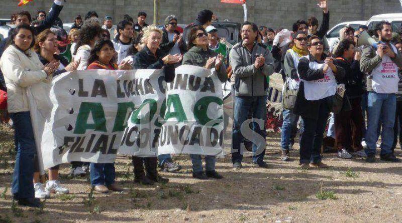 ADOSAC Truncado critica que la Caja de Servicios Sociales no cubra situación de docente
