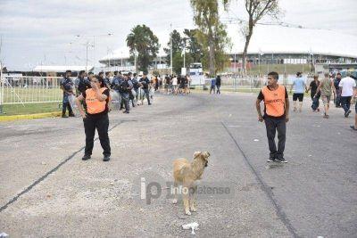 Casi un centenar de 'trapitos' fueron detenidos en inmediaciones al Estadio