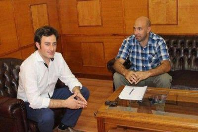 Ralinqueo recibió al legislador Valicenti y juntos conversaron sobre el Presupuesto aprobado