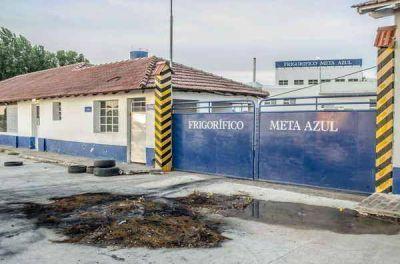 Se agrava cada día más la situación de los trabajadores del frigorífico Meta Azul