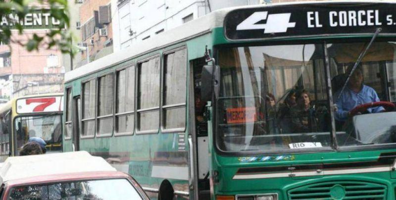 Tras la reunión con el gobierno, UTA descartó el paro de colectivos