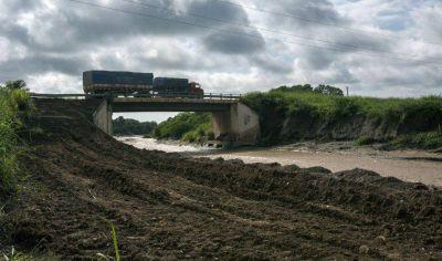 Siguen los trabajos sobre el puente carretero Las Cañas