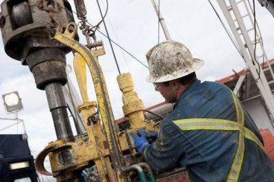 El acuerdo petrolero en Chubut frenaría el intento de suspender personal de CEOPE