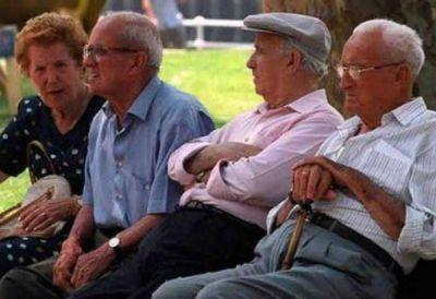 El Gobierno ordenó un aumento de las jubilaciones y la AUH
