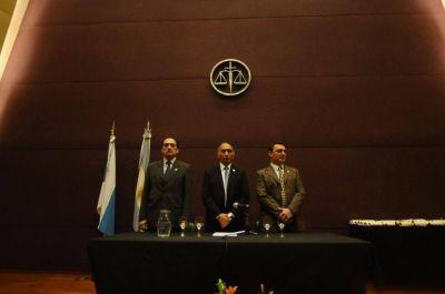 Lapidario documento del Colegio de Abogados contra el jefe de los fiscales