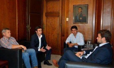 Ralinqueo se reuni� con funcionarios nacionales