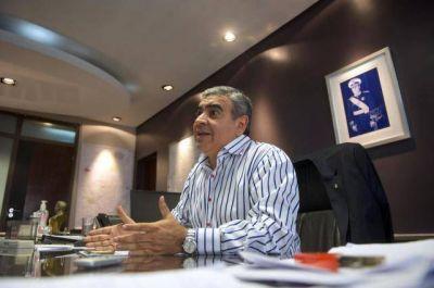 A contramano de la Nación, Alfaro pide subsidios para empresas de ómnibus