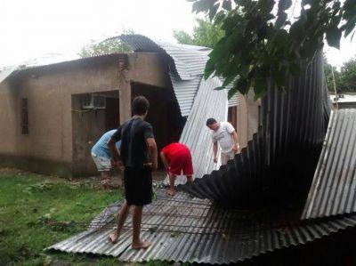 Los vientos huracanados que azotaron el sur tucumano causaron estragos