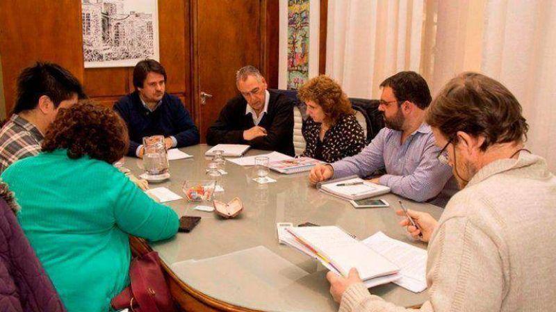 El Gobierno inicia discusión salarial con los estatales