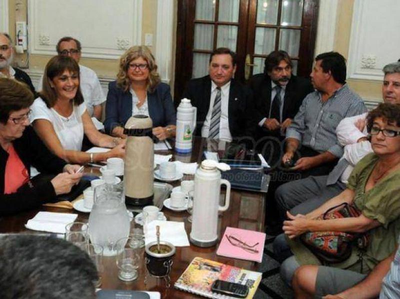Claudia Balagué espera una definición nacional para cerrar la oferta salarial
