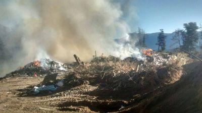 Buscan controlar un incendio en la Planta de Tratamiento