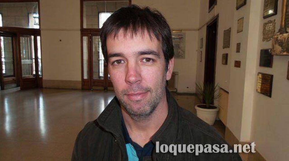 """Ataques neonazis: La UCR dice que """"el desinterés de Arroyo genera complicidades"""""""