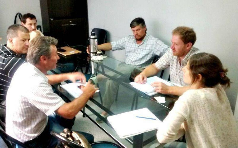 Representantes del sector apícola se reunieron con el Titular de la Dirección Agropecuaria