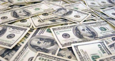 El dólar trepó 13 centavos a $ 15,13 (nuevo récord)