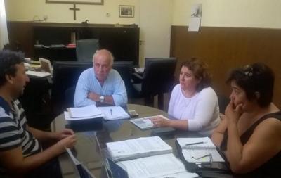 MAR CHIQUITA: EL INTENDENTE CARLOS RONDA RECIBI� A LA JEFA DISTRITAL DE EDUCACI�N