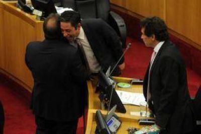 Tras huir con droga en su poder el legislador Vargas Aignasse habría intentado coimear a los policías