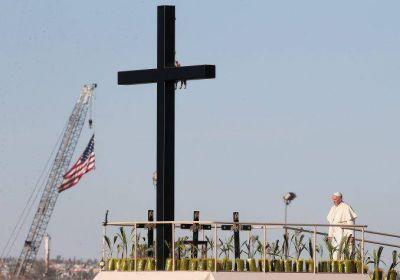 Con una misa multitudinaria, Francisco cerró su visita a México