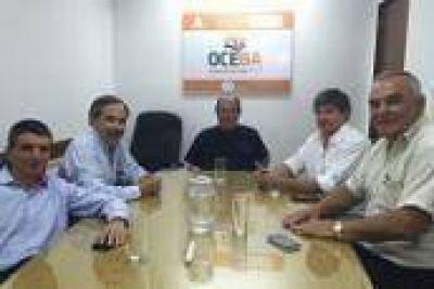 Reunión de concejales massistas del Gran La Plata en OCEBA, anticipando efectos del